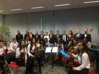 Tepebaşı Belediyesi Çocuk Senfoni Orkestrası mini konserle gönülleri fethetti