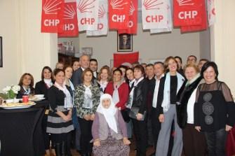 CHP BB 5 Aralık Türk kadınınına seçme ve seçilme hakkı verildiği gün kadınlar kolunu tanıttı