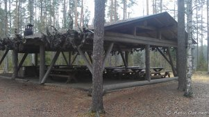 Yksi Evon leirialueen rakennuksista, joita voi halutessaan tilata käyttöönsä. Tällaisissa kelpaa pitää ulkoilmaan sopivia tapahtumia.