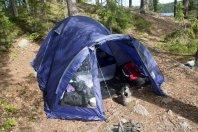 Tällaisella teltalla pärjättiin pari päivää.