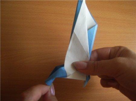 چگونه یک عقاب را از کاغذ انجام دهید: مراحل طرح اریگامی با عکس ها و فیلم ها