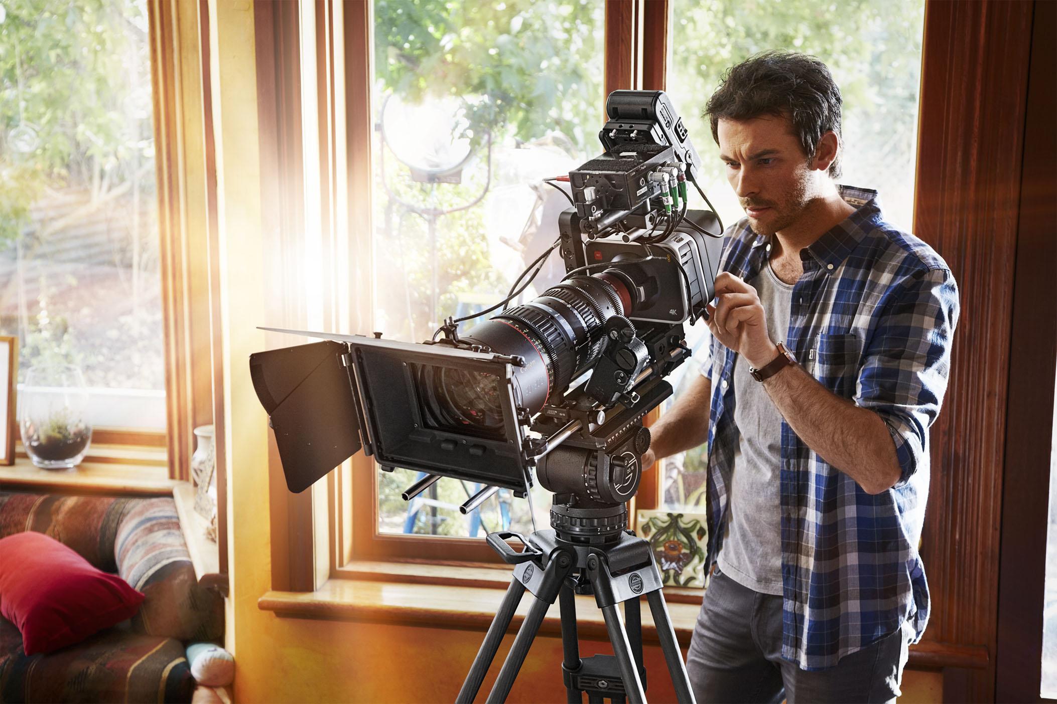 Prestation horaire d'un cameraman Art Images