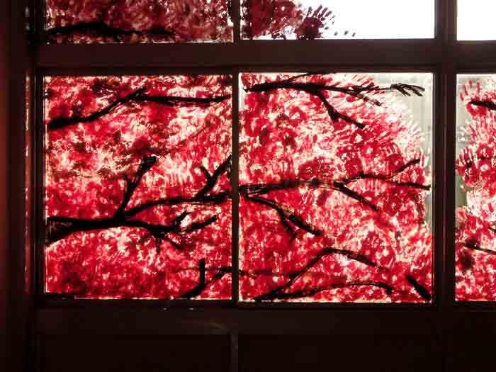 """Художник Йосуке Тан показал, как """"хоронят"""" старые здания в Японии"""