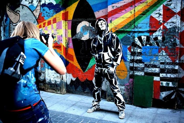 Герои, сошедшие с граффити от художницы Алексы Мид 1