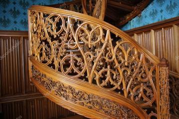3. Лестница в библиотеке замка «Леднице» 2