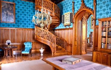 3. Лестница в библиотеке замка «Леднице»