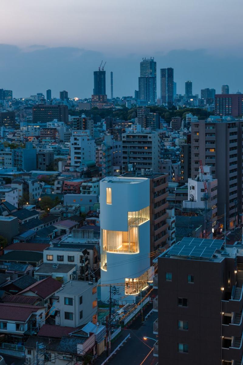 В Токио откроется музей Яёи Кусамы