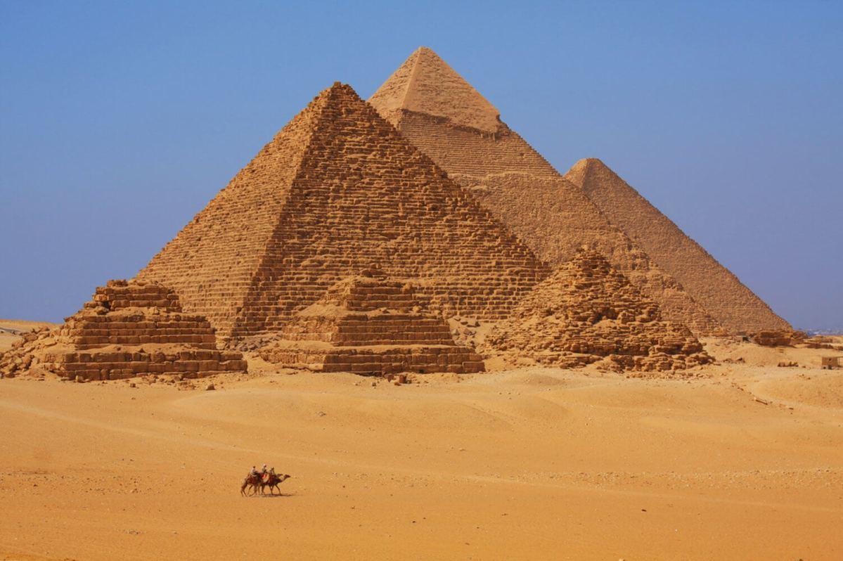 Летающий робот раскроет тайны пирамиды Гизы