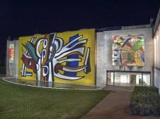 Facciata est, mosaico monumentale realizzato da Heidi Melano