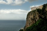 Il Monastero Santa Rosa a picco sul mare