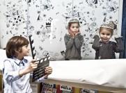 Bambini nello spazio Petit Vip durante una lezione di cinema