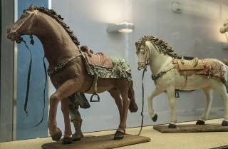 Cavallini di cartapesta