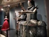 Cinderella di Maurizio Millenotti e sullo sfondo la Traviata di Gabriella Pascucci