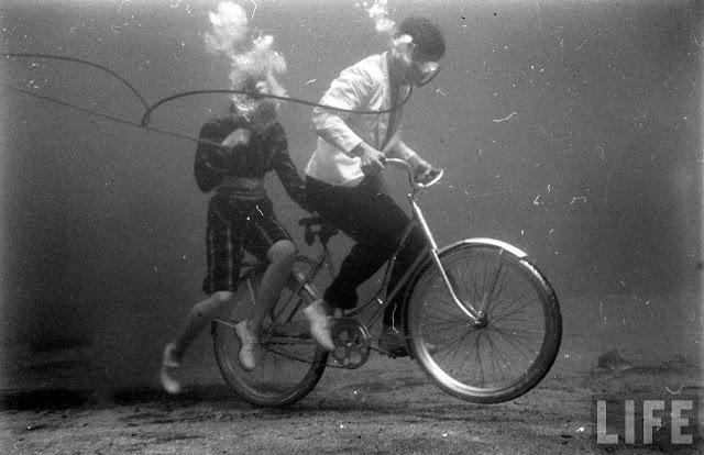 UnderwaterFashionShow2C194728129