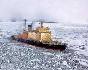 arctic-pigments-icebreaker
