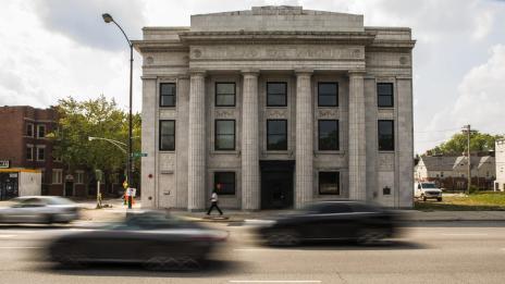 ct-abandoned-bank-becomes-art-center-photos-20150903