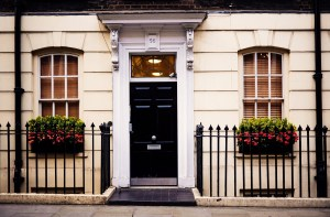 How to Select the Right Address Plaque for Your Home