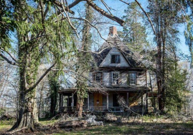 Winderbourne Abandoned Mansion