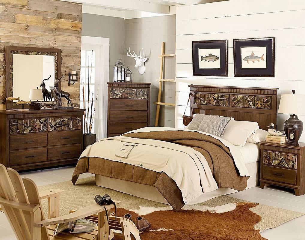 Woodsy Rustic Bedroom