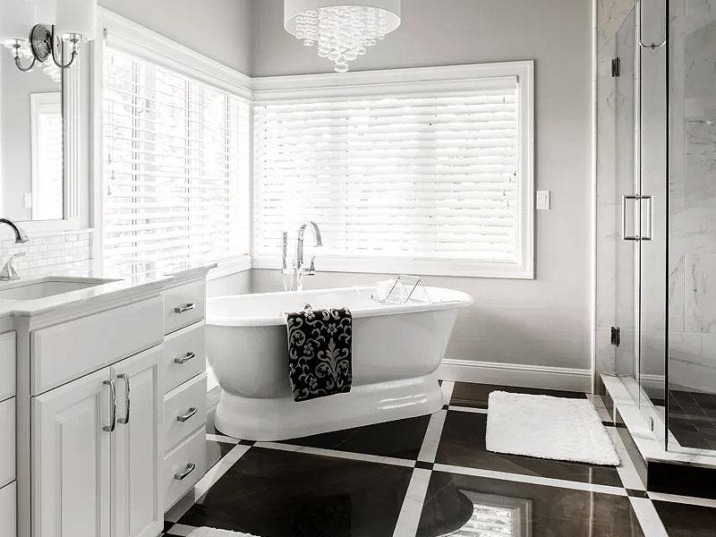 Black & White Bathrooms We Love