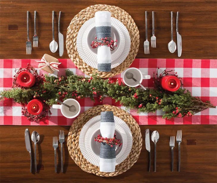 Charming Country Christmas Table Setting