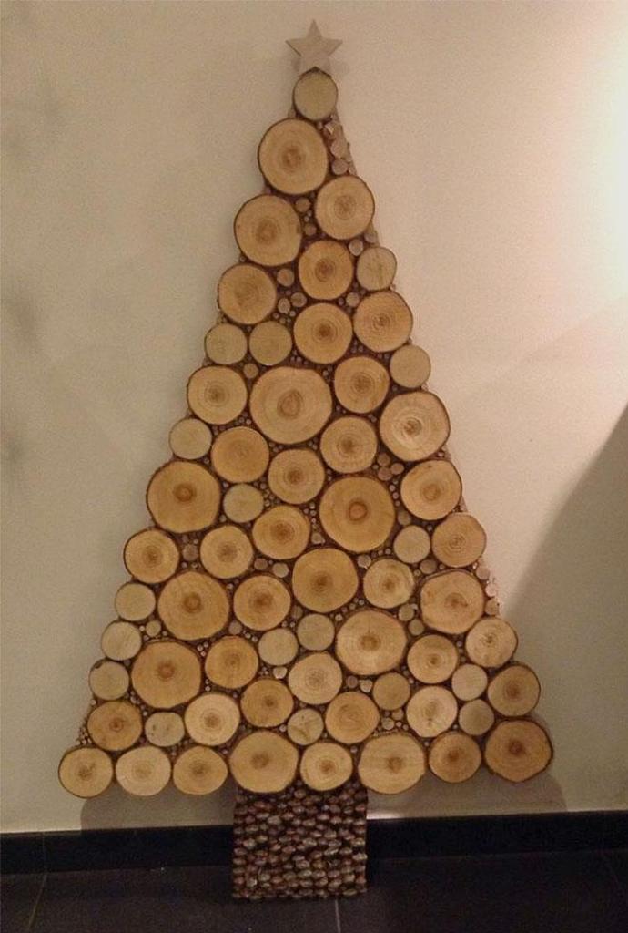 Wood Slices Christmas Tree