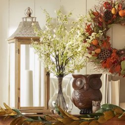 Housewarming Gifts | A vase of flowers