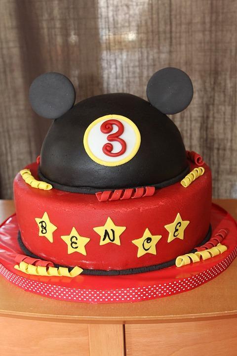 Mickey Mouse Kids Birthday Cake