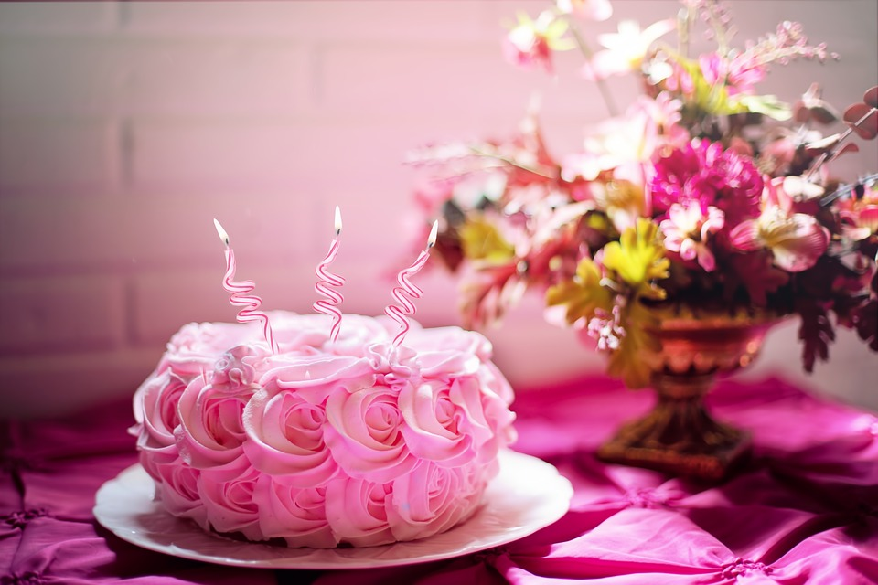 Pink Roses Birthday Cake