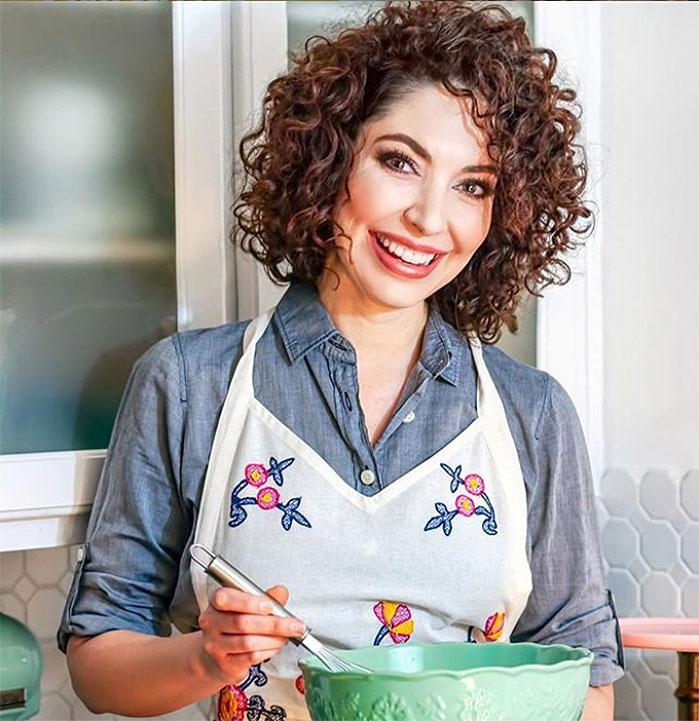 Pie Artist Liz Joy bakes Beautiful Pies & Tarts