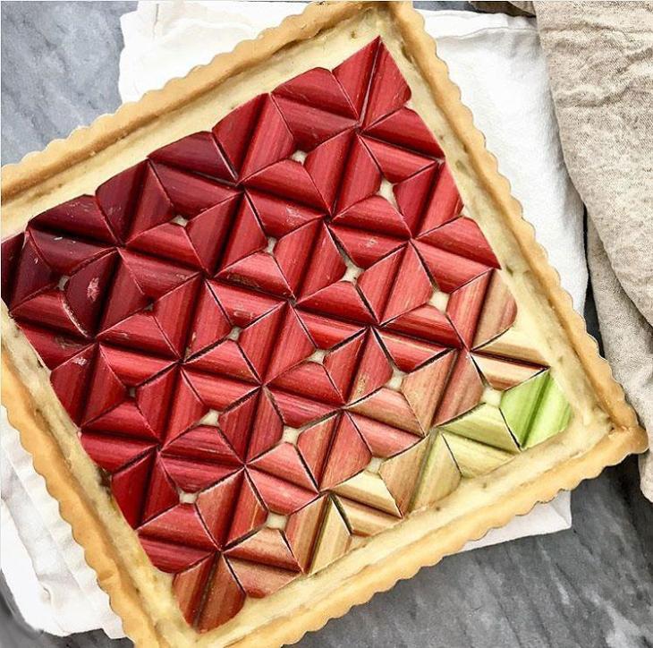 Rhubarb Tile Square Pie