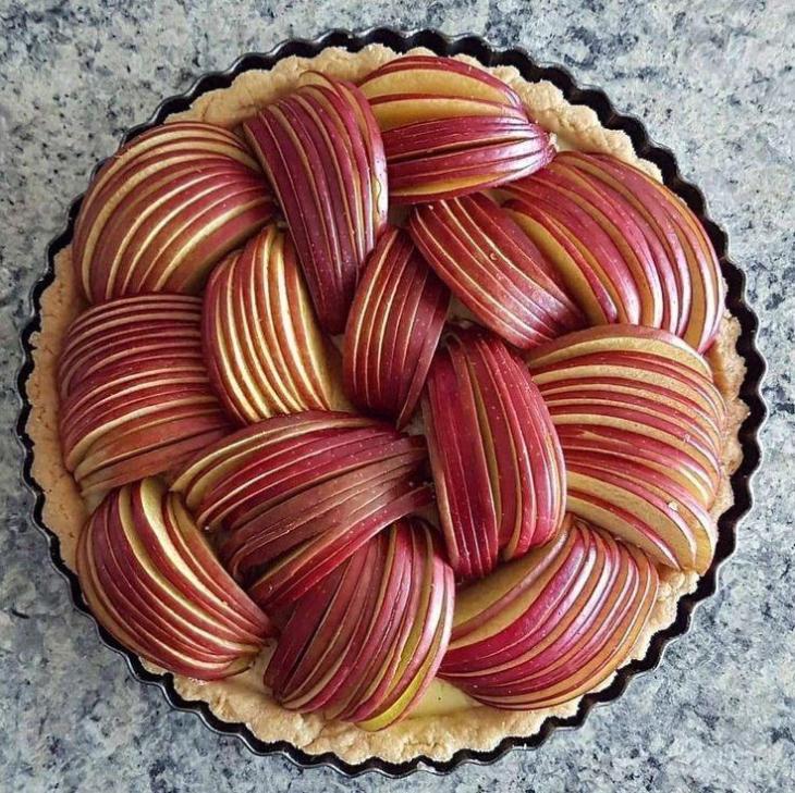 Sliced Cinnamon Sugar Apple Pie