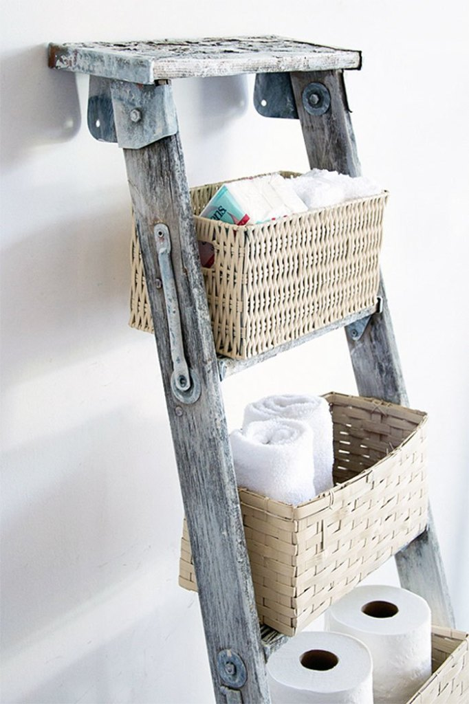 DIY Basket Ladder Shelf