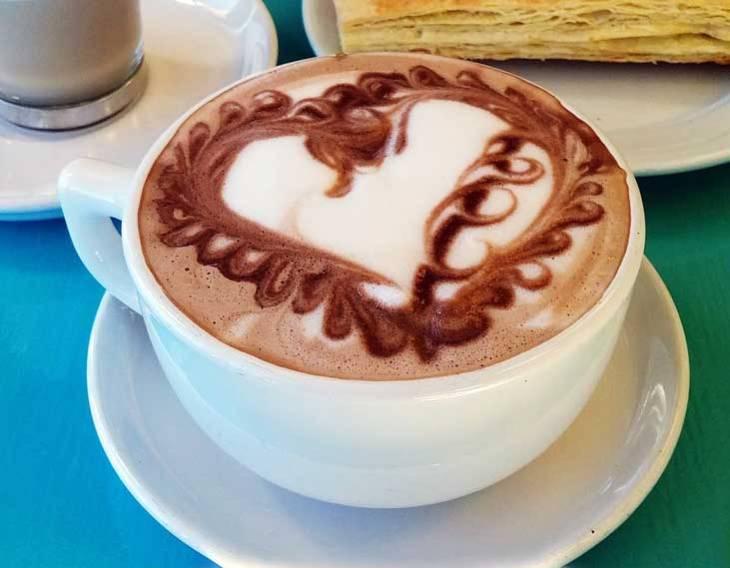 Elegant Heart Latte Art