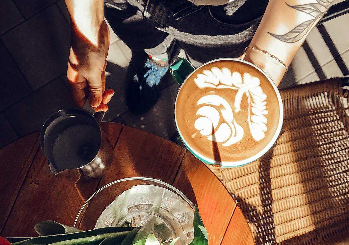 Large Flower Latte Art