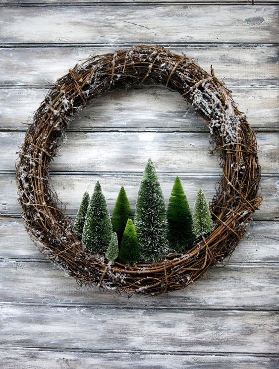 DIY Rustic Pine Trees Wreath