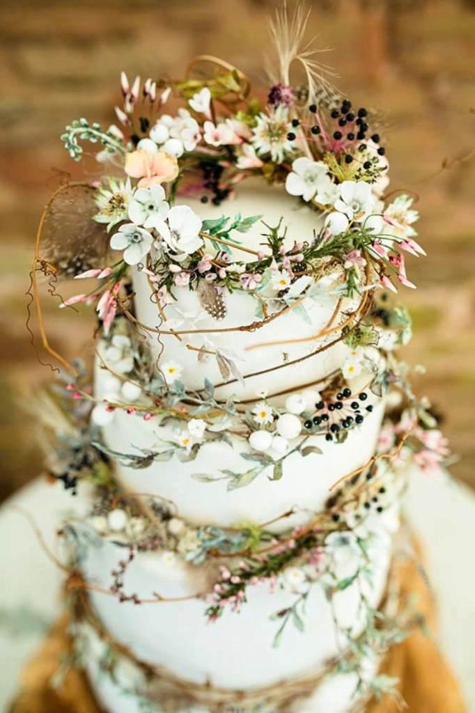Woodland Vines Wedding Cake by Amy Swann Cakes
