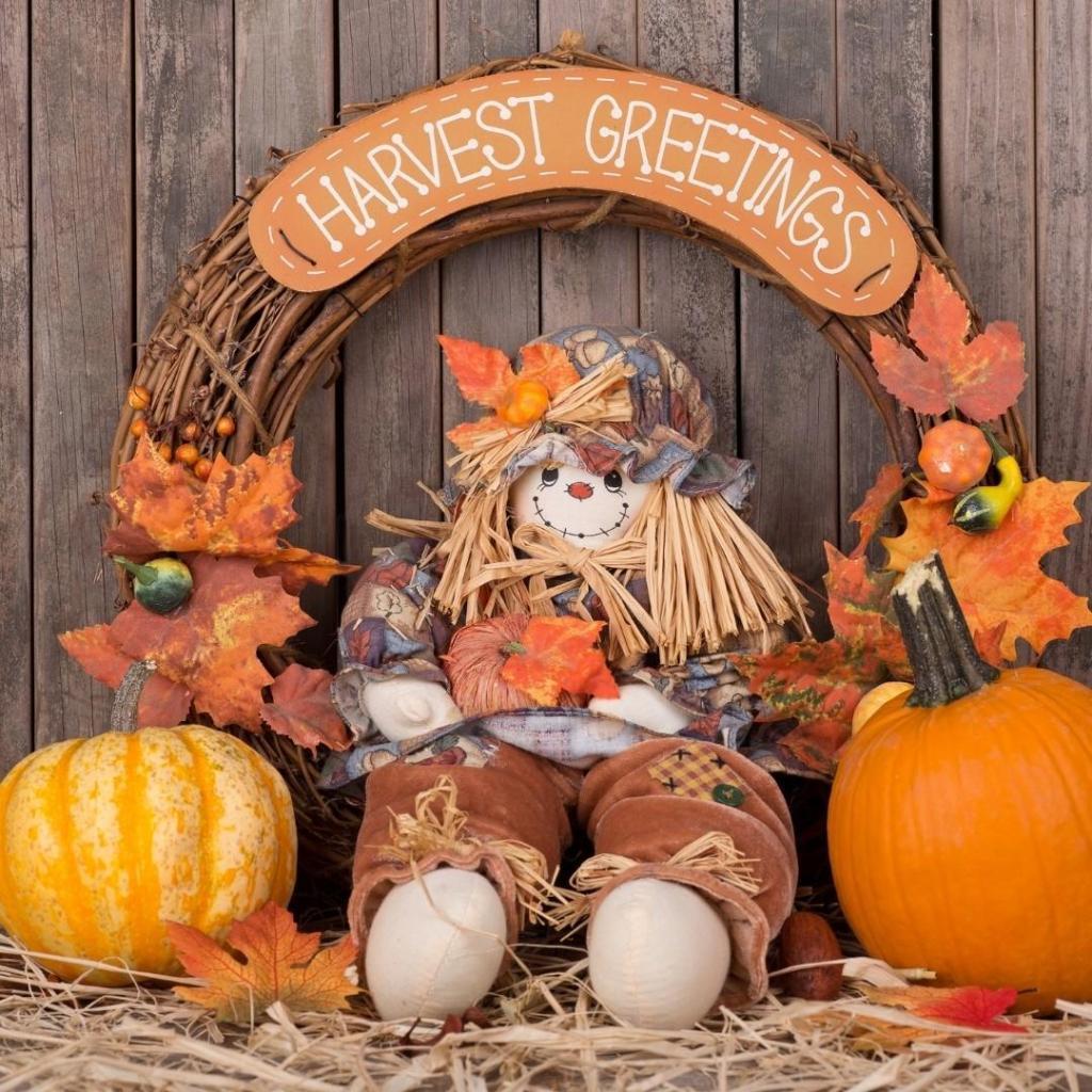 Harvest Greetings Fall Decor