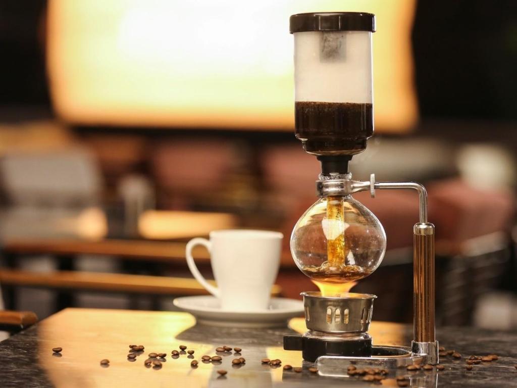 How Vacuum Coffee Makers Work