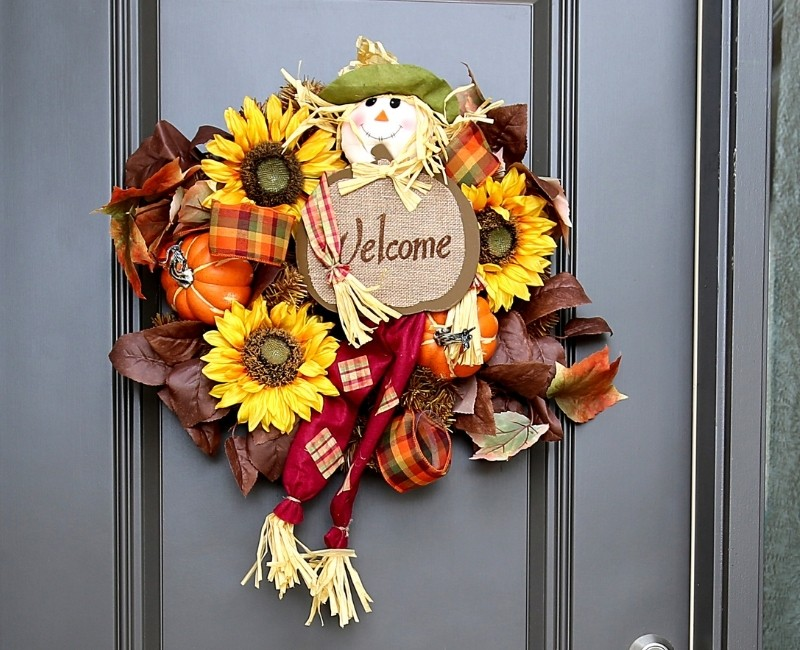Welcome Scarecrow Wreath
