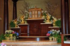 Holy Trinity Church (Gainesville, VA). Tabernacle pedestal. Photo from parish website.