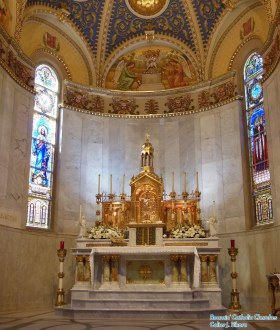St. Stanislaus Oratory (Milwaukee, WI). Sanctuary and altar. Photo provided by Roamin' Catholic Churches.