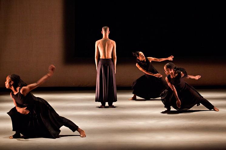 Akram Khan Company Dances Its Way To Dallas Art Amp Seek