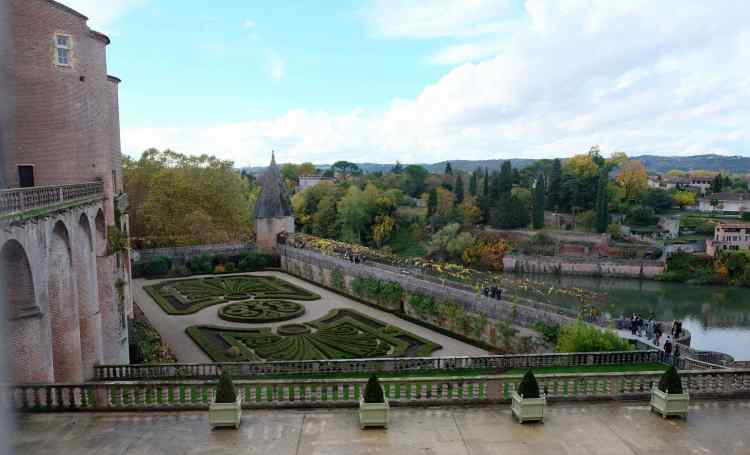 View from Toulouse-Lautrec gardens