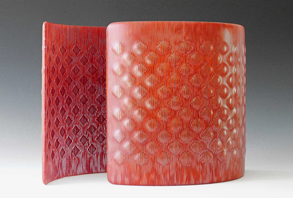 Pair of bowles,2013. Glass, enamel, je 31 × 35 × 11 cm.