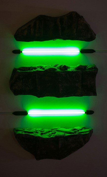Ceramic and Neon Light Tube, 2016