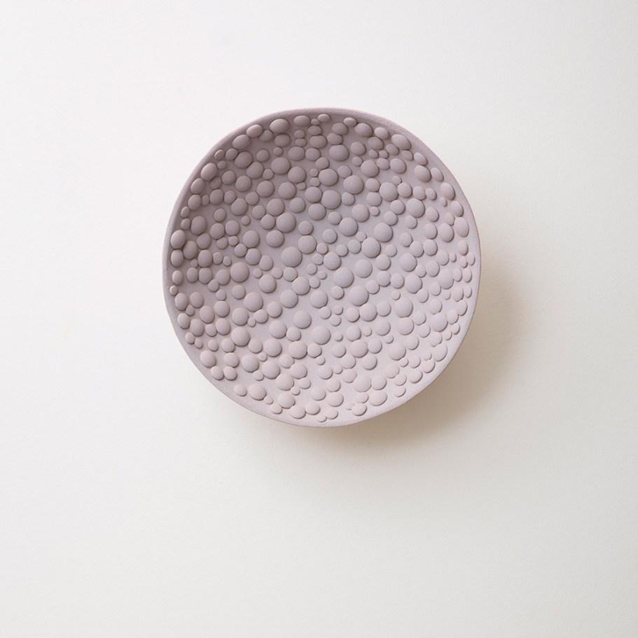 diam. 28cm, stoneware, slip, 2016