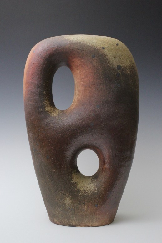 Exhibited at NCECA2019 Pittsburgh Co-exhibition with Cub Creek Foundation for the Ceramic Arts Group Show
