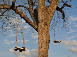 size depending on installation, porcelain, glaze, rope, tree, sky, 2013