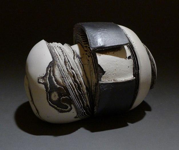 white clay, black clay, personal clay. 1150C, 30 x 15 x15 cm
